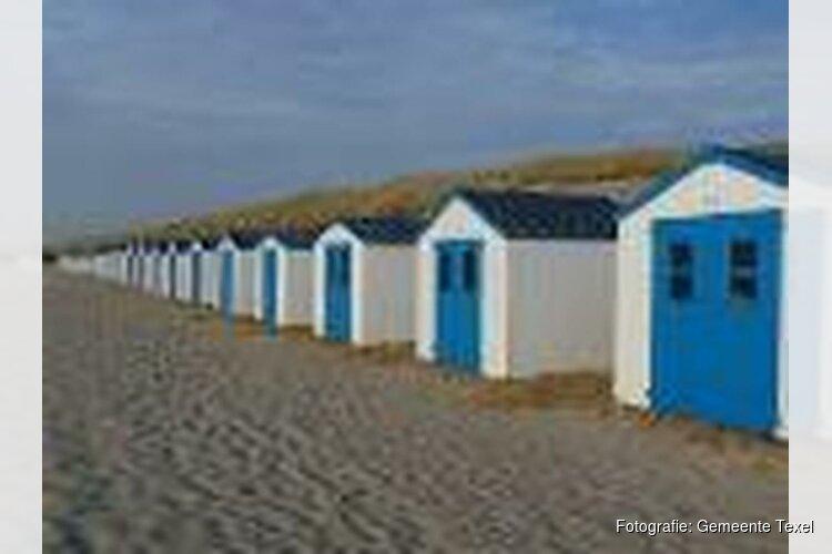 Controle op nachtverblijf strandhuisjes