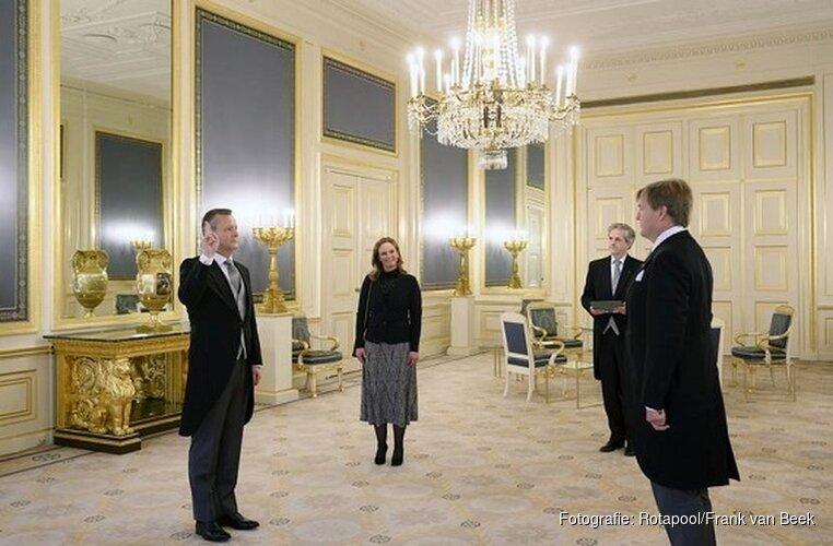 Koning beëdigt commissaris van de Koning Noord-Holland