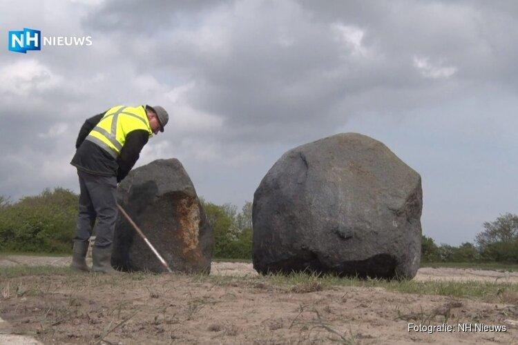 Eeuwenoude en bekladde zwerfkeien op Texel weer schoon na grote wasbeurt