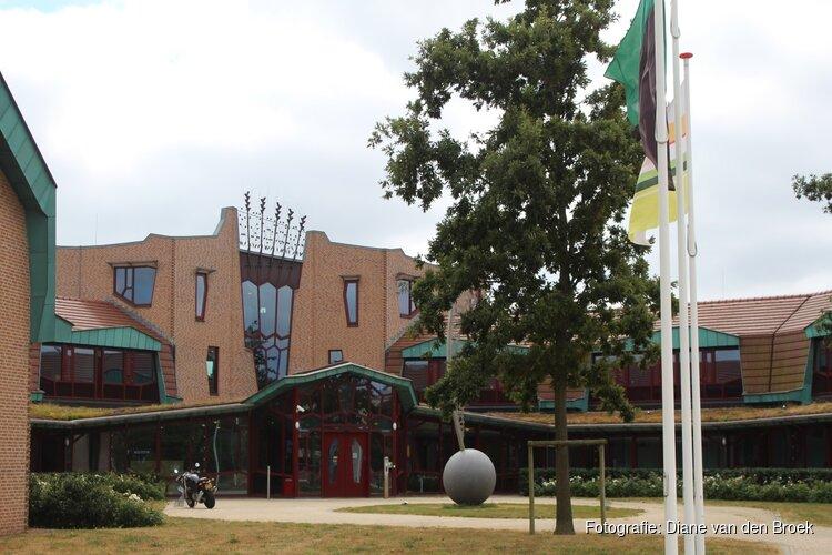 Voormalige Kompasschool Den Burg wordt gesloopt, ruimte voor woningbouw