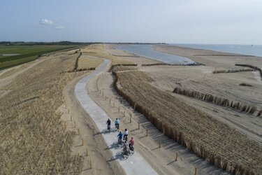 Wandelpad en fietspad Prins Hendrikzanddijk open