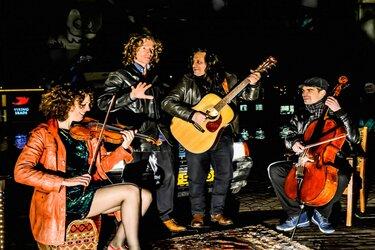 Concert Trio Escapada en zanger Omar Mollo