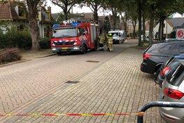 Gaslek in woonwijk Texel, brandweer zet straat af