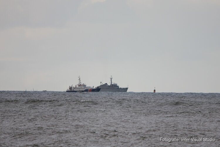 Marineduikers aangekomen bij locatie van gezonken Urker kotter