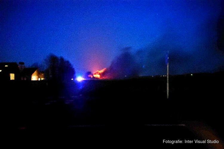 Schuur vat vlam op Texel: brandweer haalt schapen uit brandend gebouw
