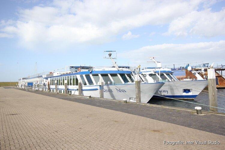 Cruiseschepen liggen lange tijd werkeloos in haven van Oudeschild