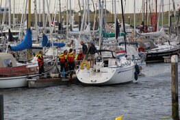 Zeiljacht met problemen voor kust van Texel
