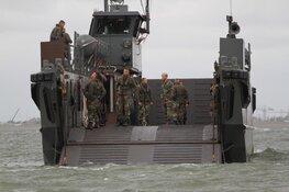 Oefeningen van Korps Mariniers op Texel trekken veel bekijks