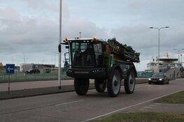 Texelse boeren voor een kort protest naar Den Helder