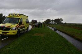 Elektrische auto raakt te water op Texel, omstanders bevrijden bestuurder