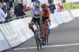 Denise Betsema grijpt net naast podium op Oranje gekleurd EK